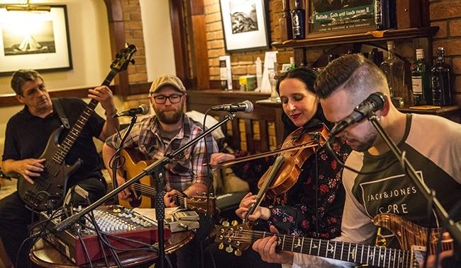 tradbandits at the cedar lounge raheny, Dublin